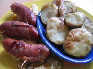 Carnaciori inveliti in bacon, la cuptor