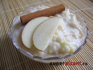 Orez in lapte cu mere si scortisoara