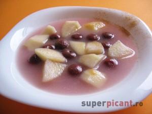 Supa de fructe cu mere si visine